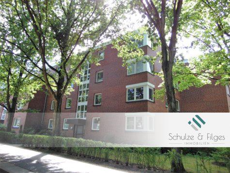 Großzügige 4 Zimmerwohnung mit Balkon und TG-Stellplatz, 22559 Hamburg / Rissen, Erdgeschosswohnung