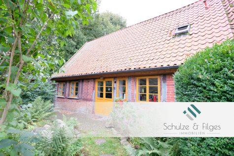 Mensch & Natur vereint – historisches Fachwerkhaus in idyllischer Lage, 23843 Travenbrück, Doppelhaushälfte