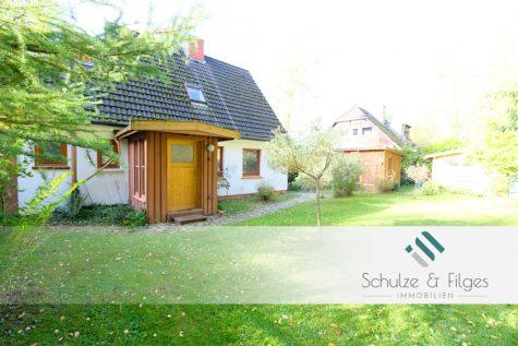 Einfamilienhaus in ruhiger und idyllischer Lage am Waldrand, 22926 Ahrensburg, Einfamilienhaus