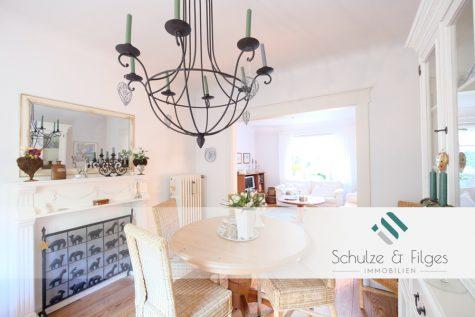 Ehrwürdig charmant – Einfamilienhaus zum Wohfühlen, 22549 Hamburg / Osdorf, Einfamilienhaus