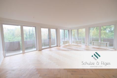 Wohnen Deluxe – top modernisierte 5 Zimmer Wohnung mit Einzelgarage, 25469 Halstenbek, Etagenwohnung