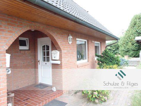 Endreihenhaus mit großem Garten zum Wohlfühlen, 22946 Trittau, Reihenendhaus