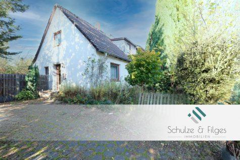 Sanierungsbedürftige Doppelhaushälfte mit Erweiterungsmöglichkeit, 21509 Glinde, Doppelhaushälfte